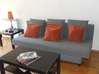 Modern-light-quiet apartment  with private garage, Porto