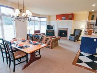 Embarc Mont-Tremblant: 2-BR, Sleeps 6, Full Kitchen