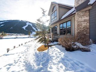Luxury Copper Mountain Ski/Golf House – Walk to Both!, Frisco