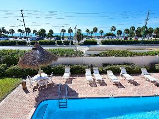 Breezy Madeira Beach Condo with Gulf Views
