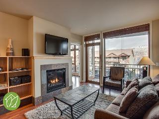 2 Bedroom Condo with Indoor Pool by Sage Vacation Rentals, Chelan