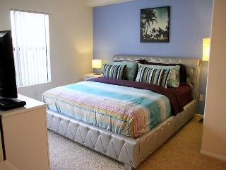Los Angeles One Bedroom Vacation Apartment DTRS1C