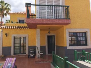 Clasic style villa in Canarian town Chayofa, Arona