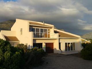 Holiday Beach Home,Sleeps 6 in Overberg, Betty's Bay