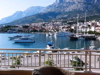 Suite with Seaview, Balkony,2 Bedrooms, Waterfront, Makarska