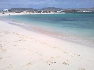 Modern apartment sea views 100m to the lagoons!, El Cotillo