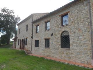 Casale del Vescovo, Penna San Giovanni