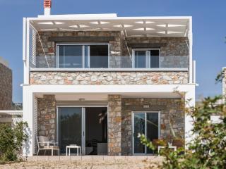 Lithos - Luxury Beachside Stone Villa, Crete