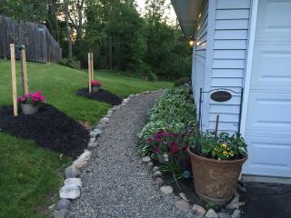 Quiet, Private Garden Home, East Aurora