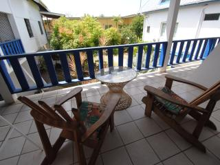 Bananaquit- Cosy Loft w/ kitchen close to beaches 9
