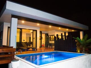 Konoha Villa with POOL AND PLAYGROUND, Rarotonga