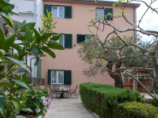 TH01612 Apartments Darinka / Two bedrooms A1, Rogoznica