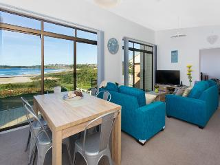 4 Bedroom Absolute Beach Front Holiday House, Kiama
