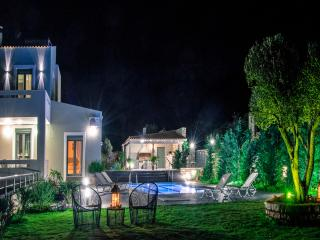 Villa Horizon- New Getaway with Panoramic Views, Rethymno
