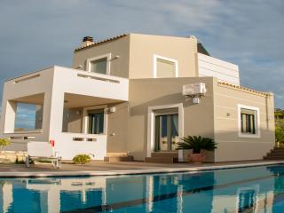 Villa Horizon- New Getaway with Panoramic Views, Rethymnon