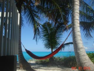 One bedroom apartment on Tar Bay Beach, George Town