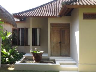 Villa Kolam 2B, Candidasa