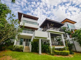 Andaman Residence Daniel Sea View Villa 104, Kata Beach