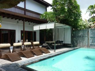 Superb 5bd Villa - Sanur beach walk - Max: 8/10 ps