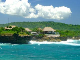 VILLA BAHAGIA. EXCLUSIVE AND PRIVATE. NUSA LEMBONGAN, Nusa Lembongan