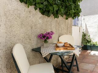 Apartment Sandro - Two Bedroom Apartment with Terrace and Sea view