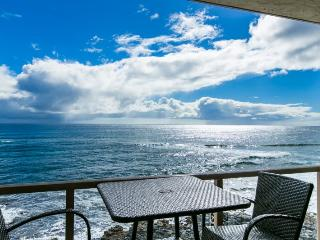 Kuhio Shores 416-4th floor condo, ocean and sunset views. Watch the surfers from this ocean front 1 bd. Free car with stays 7 nts or more*, Poipu