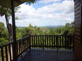 Very Large up-Market Timberhaus, Kuranda