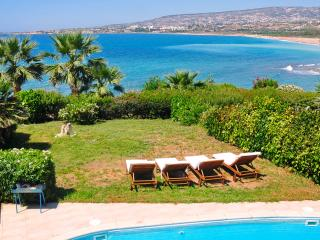 Private Villa On The Beach With Private Pool, Peyia