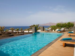 Very private villa privileged location, magnificent sea views & infinity pool