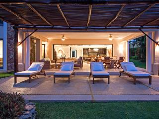 Bella Rosa is a fabulous vacation condo in Punta Mita on Mexico's Pacific Coast!, Punta de Mita