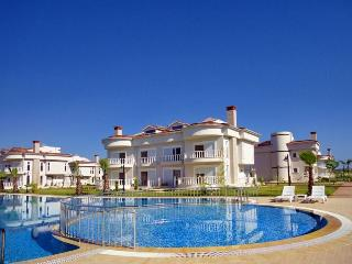 Golf Village özel Villa J1, Belek