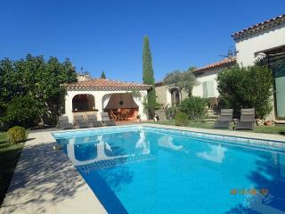 Luberon propriété avec piscine et jardin, Cabrieres-d'Avignon