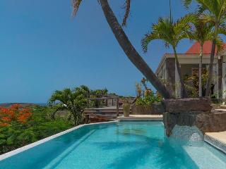 Ideal for Couples & Families, Stunning Views & Swimming Pool, Car Rental Included (Low Season)*, Grand Cul-de-Sac