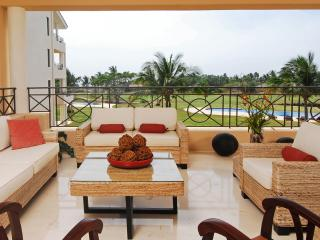 Condo Bugambilia - Ideal for Couples and Families, Beautiful Pool and Beach