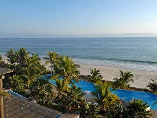 Condo Jacaranda - Ideal for Couples and Families, Beautiful Pool and Beach