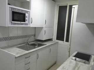 Apartamento dos dormitorios , Ronda de Segovia,, Madrid