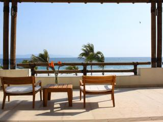 Villa Paraiso - Ideal for Couples and Families, Beautiful Pool and Beach