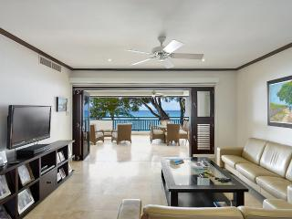 Coral Cove 7, Sunset - Ideal for Couples and Families, Beautiful Pool and Beach