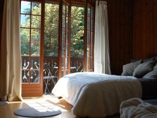 Romantic studio in traditional alpine chalet, Chamonix