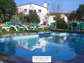 Majestic Catalan mansion in Riudarenes for 20 guests, located just outside of Girona