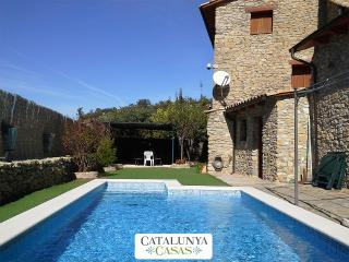 Masia Lleida for 14 guests, tucked away in the mountains of Catalonia, Sant Esteve de la Sarga