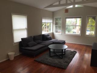 Lovely Home With 1 Bedroom, 1 Bathroom in Abbot Kinney Boulevard, Los Angeles