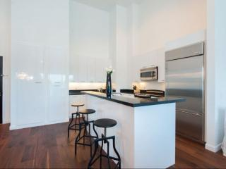 STUNNING 1 BEDROOM APARTMENT, Beverly Hills