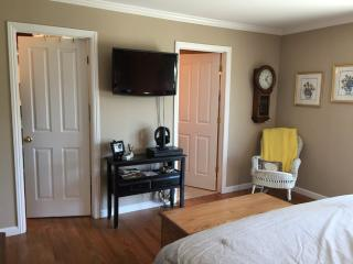 Spacious 3 bed 3 bath apartment, San Mateo