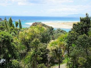 Quarterbarrel Bush Retreat, Mangawhai