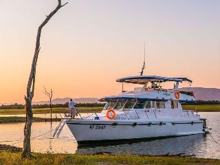 Corsaro, our 5* houseboat, Kariba