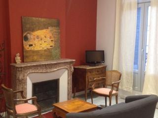 bel appartement 2 chambres immeuble XIX, Montpellier