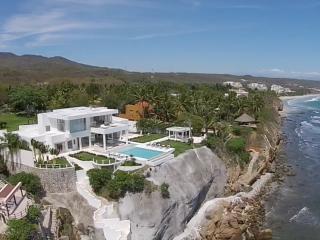 Fully Staffed - Punta Mita Modern Mansion, Punta de Mita