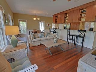 Beautiful 3 Bedroom Cottage On 30A Near Seaside-19