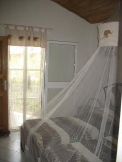 Chambre à l'étage avec lits double